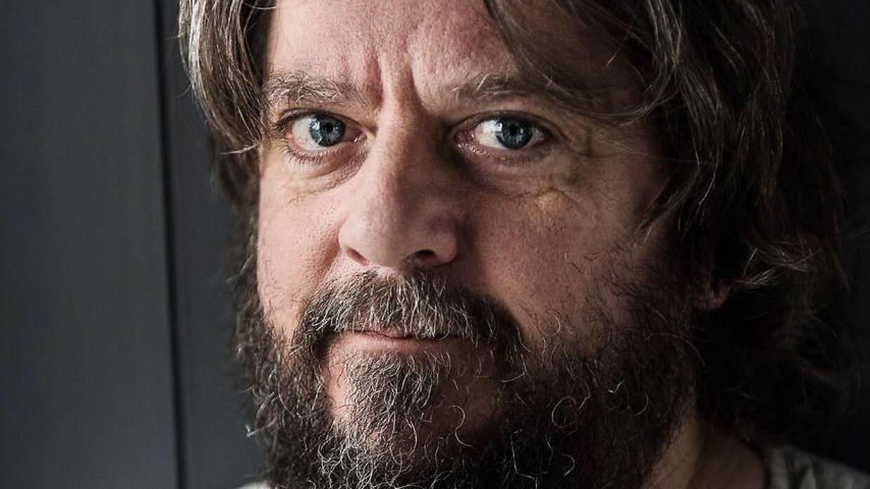 Anders Lund Madsen er utilfreds med, at han måtte sidde i kø fredag under en politiaktion.