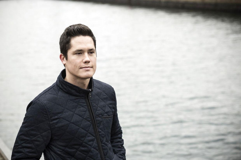 Olaf Wildeboer, som er søn af den afdøde tidligere danske svømmelandstræner Paulus Wildeboer, er tilbage i Danmark.