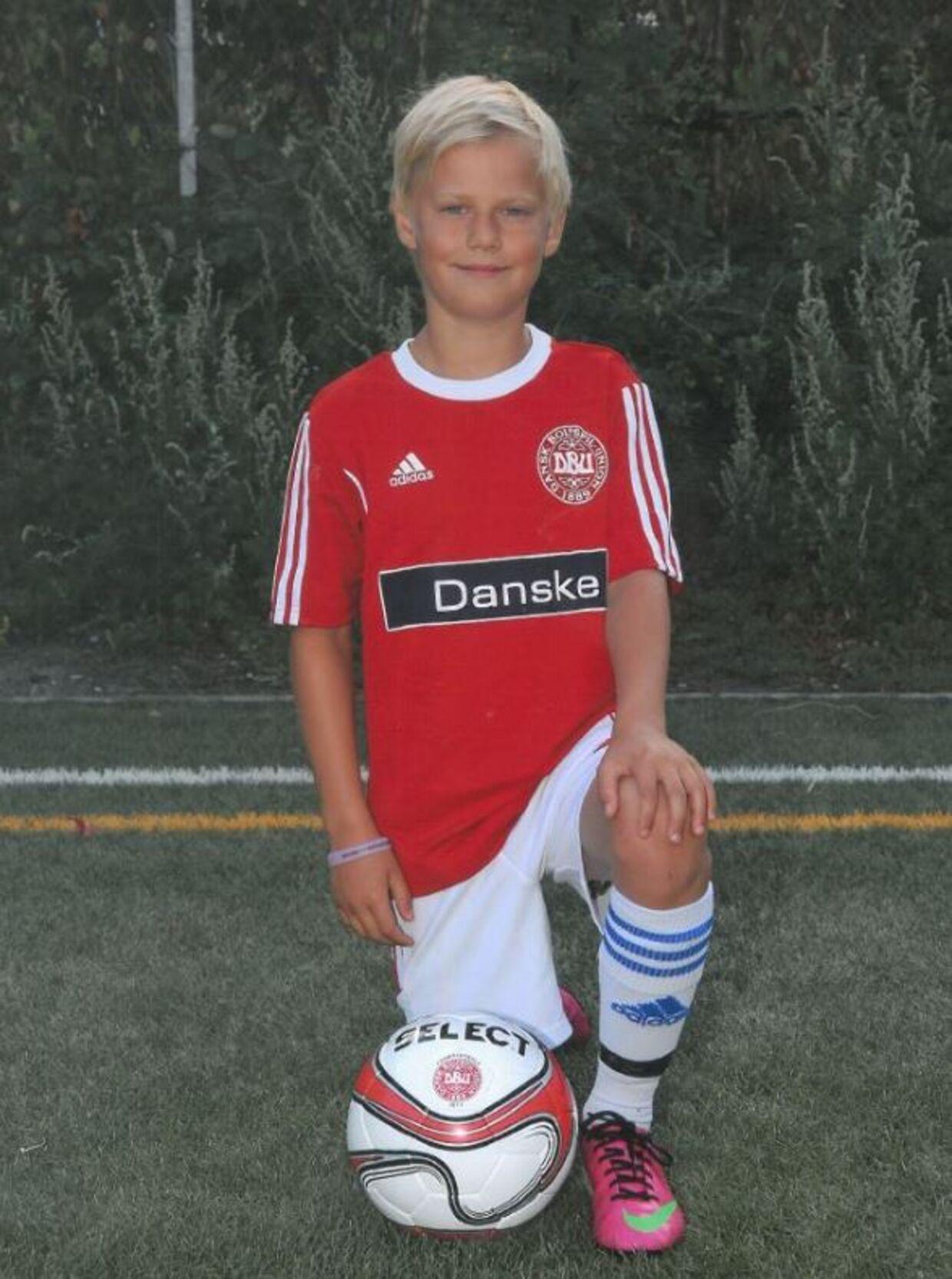 Marcus var en glad og aktiv dreng, der blandt andet elskede at spille fodbold. Privatfoto.