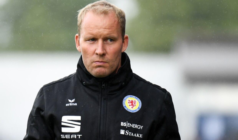 Henrik Pedersen fra tiden i den tyske klub Eintracht Braunschweig, hvor han blev fyret efter blot fire måneder.