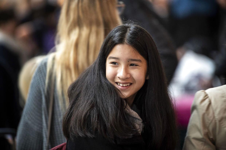 Mint ved afrejse fra Kastrup Lufthavn i mandags, hvor hun forsøgte at holde humøret oppe.