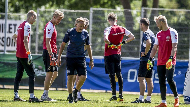Lars Høgh (i midten) er normalt en fast del af målmandsstaben på det danske landshold.