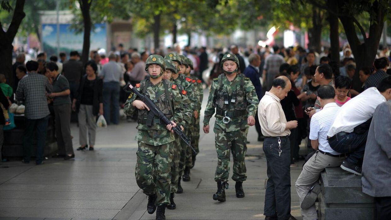 Militæret har af flere omgang været indsat i storstilede operationer i Xinjiang-provinsen på grund af uroligheder.