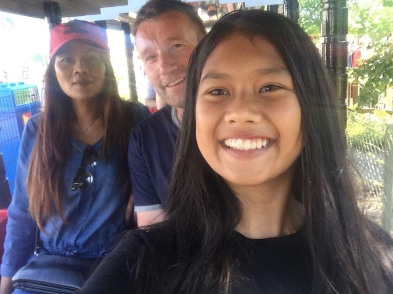 Aphinya er 13 år og flyttet til Tyskland, da hun blev udvist af Danmark. Hun vil gerne være læge.