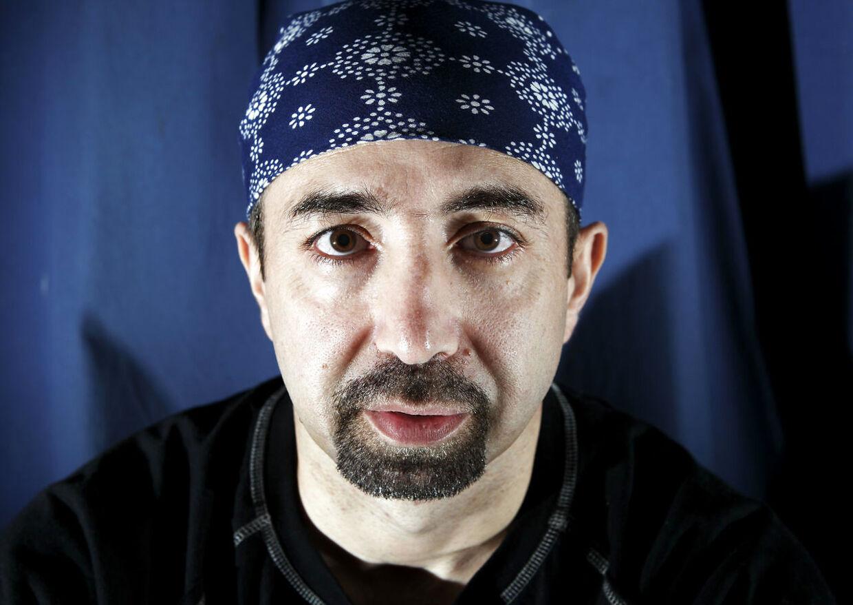 Bandeleder for den Internationale Klub, Danny Abdalla. Han er dømt til udvisning tre gange, men må blive i Danmark, da han sandsynligvis ville blive dræbt i hjemlandet Libanon.