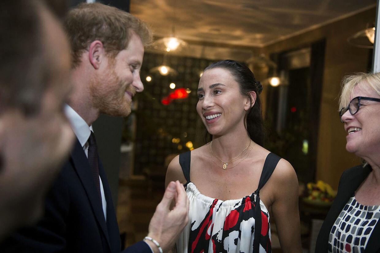 Medina mødte som ambassadør for Folkekirkens Nødhjælp britiske prins Harry, da han var på besøg i København.