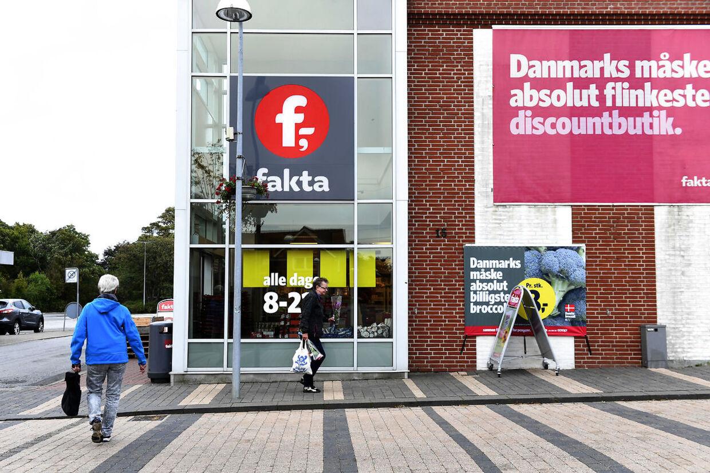 Byen Bording der er nabo til Udrejsecenter Kærshovedgård. »Det er et levende helvede på jord,« siger René Hagelskær, som er bestyrer i den lokale Fakta-butik i Bording.