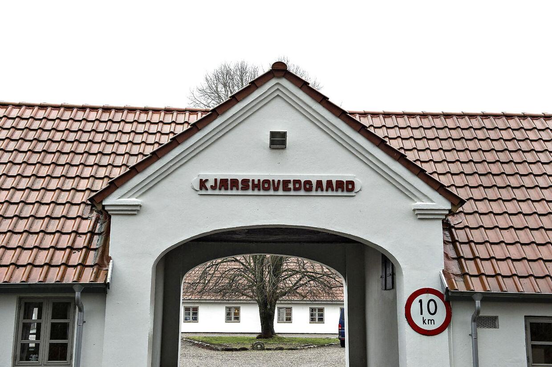 Det tidligere åbne fængsel Kærshovedgård udenfor Ikast skal efter planen huse afviste, udviste asylansøgere. Her ses Kærshovedgård onsdag middag.