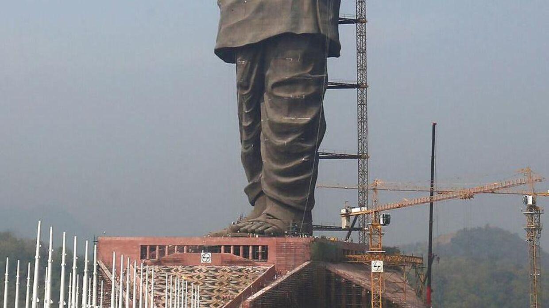 Statuen bliver rejst i Sardar Vallabhbhai Patel hjemdistrikt Gujarat i Indien.
