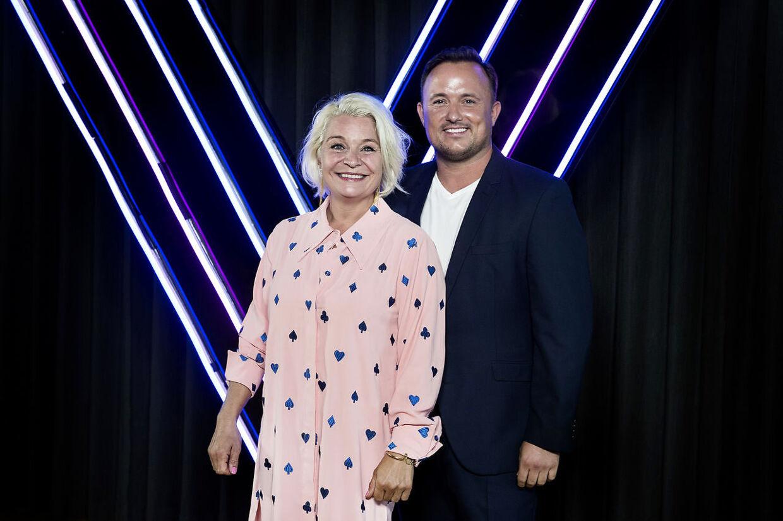 Signe Lindkvist deltager i denne sæson af Vild med Dans, hvor hun hver fredag svinger sig rundt med Thomas Evers Poulsen.