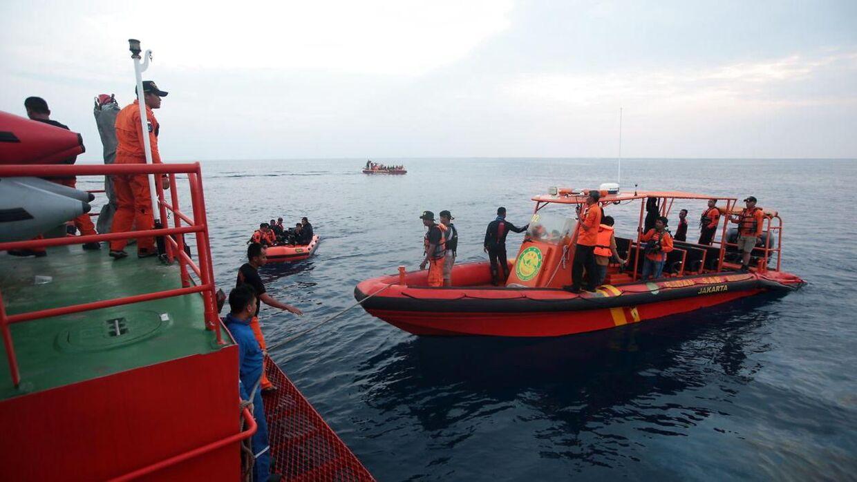 Indonesiske dykkere har fundet den sorte boks fra det nedstyrtede indonesiske passagerfly fra Lion Air.