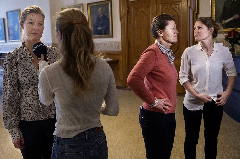Sofie Carsten Nielsen (R), Josephine Fock (Alt) og Johanne Schmidt-Nielsen (Enh.) havde et godt samarbejde om at trække udlændingeminister Inger Støjberg (V) i samråd om den ulovlige instruks om adskillelsen af asyl-ægtepar.