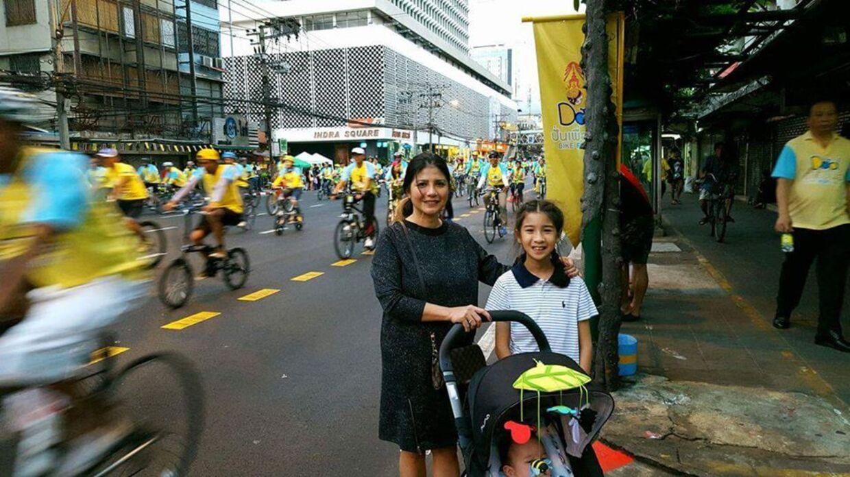 Ratree, Mint og Malick er til cykelløb i Bangkok.