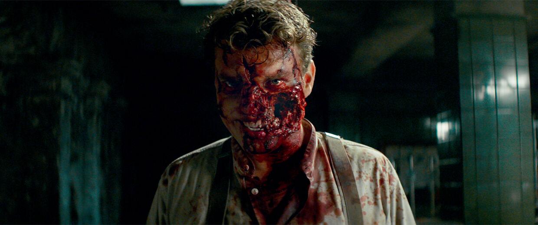 Pilou Asbæks karakter får skudt halvdelen af sit ansigt af i filmen Overlord.