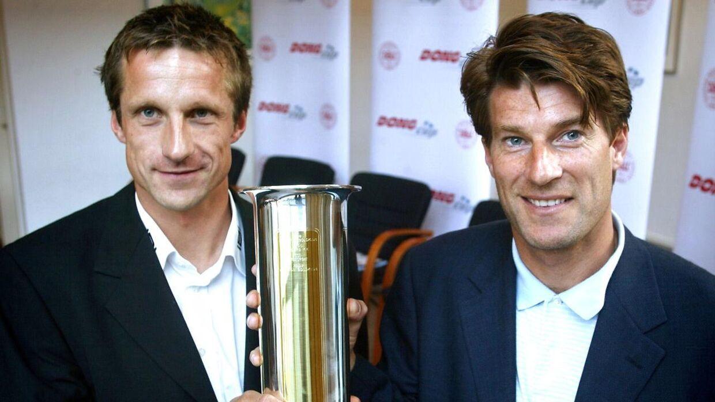 Troels Bech (tv.) var fra 2002 til 2003 træner for FC Midtjylland. Her står han ved siden af Michael Laudrup, der dengang var træner for Brøndby IF.