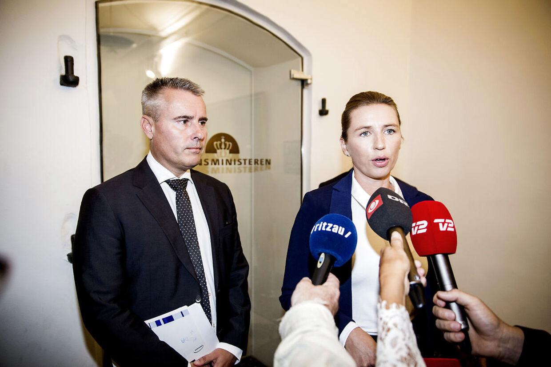 Henrik Sass er Mette Frederiksens højre hånd, men bliver alligevel banket på plads