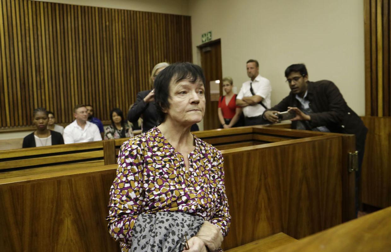 Britta Nielsen i retten i Sydafrika, kort før hun blev sat på et fly med kurs mod Danmark.