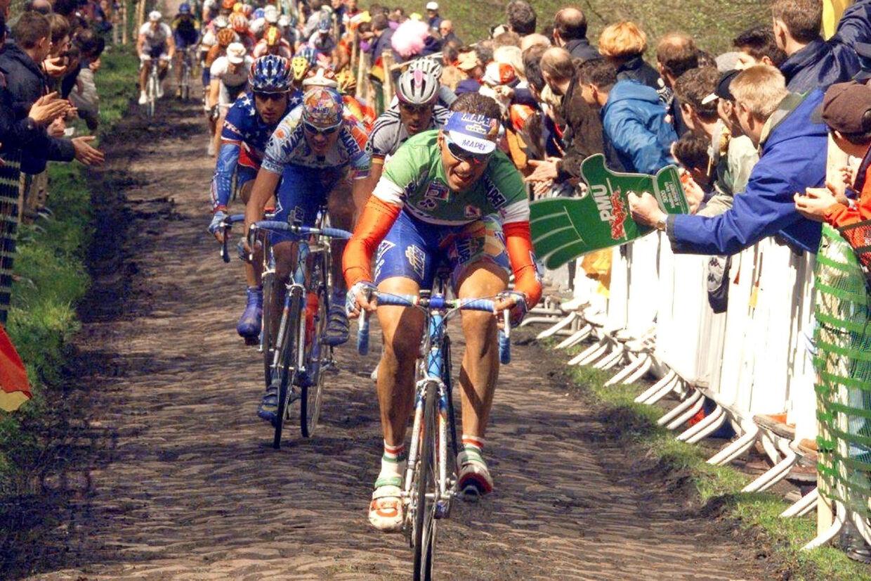 Andrea Tafi vandt i 1999 Paris-Roubaix. 20 år senere vil han gøre comeback i det berygtede brostensløb. Pascal Pavani/Ritzau Scanpix