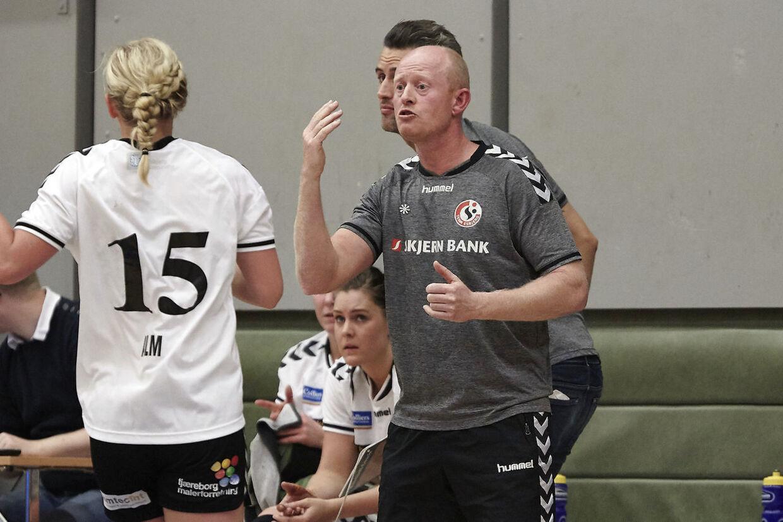 Lars Frederiksen, der tidligere har trænet Team Esbjergs kvindehold, forventer at dommen bliver omstødt.