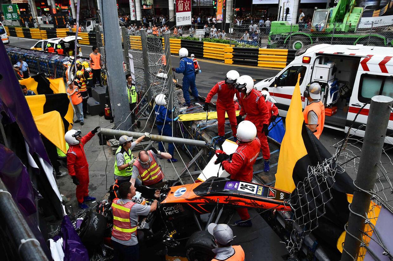 Her ses Sophia Floerschs forulykkede racer på Macau i Kina.