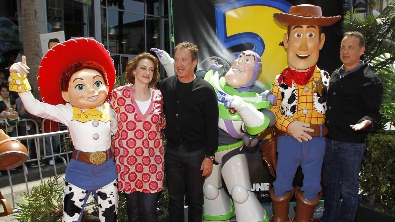 Her ses Joan Cusack, Tim Allen og Tom Hansk ved premiere til Toy Story 3.