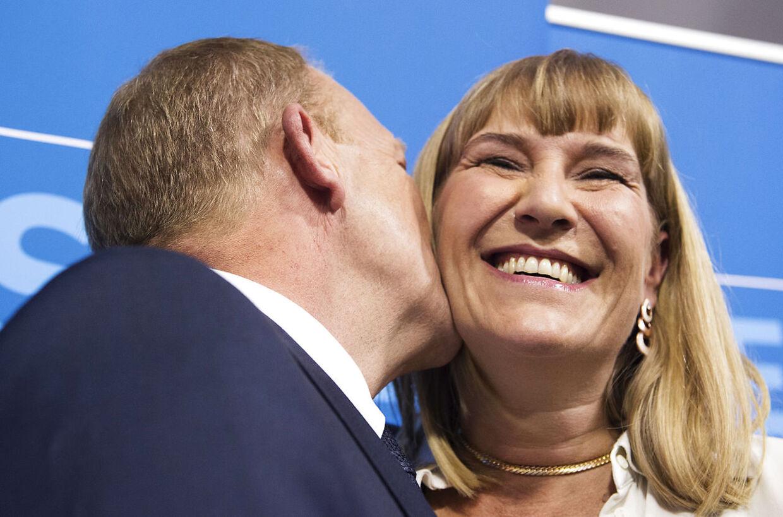 Arkivfoto. Lars Løkke Rasmussen og Sólrun under Venstres valgfest i Landstingssalen på Christiansborg 18. juni 2015.