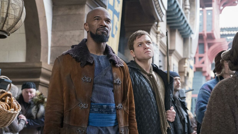 Jamie Foxx spiller en alternativ version af Lille John i filmen.