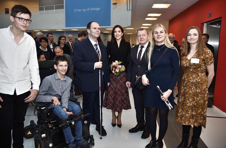 Kronprinsesse Mary deltager i FN's internationale handicapdag i Handicaporganisationernes Hus i Taastrup. Længst til venstre ses Jakob Terp-Hansen, som står sammen med de anre talere for arrangementet. (Foto: Tariq Mikkel Khan/Ritzau Scanpix)