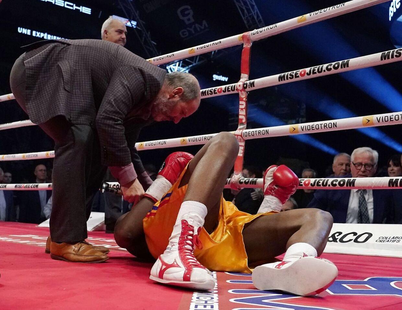 Adonis Stevenson slået i gulvet mod Oleksandr Gvosdyk. (Mathieu Belanger/Getty Images/AFP)