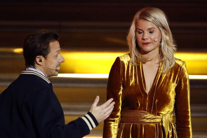 Den franske DJ Martin Solveig er landet i en regulær shitstorm, efter han bad den kvindelige vinder af Ballon D'Or, Ada Hegerberg, om at twerke. (AP Photo/Christophe Ena)