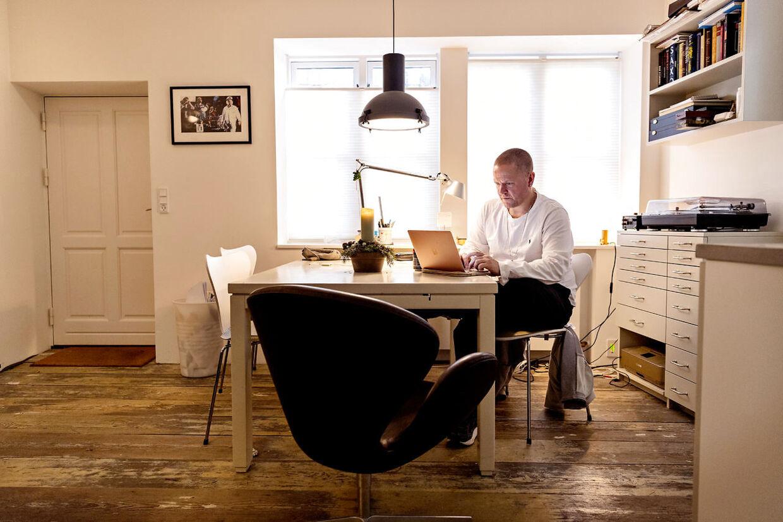 B.T. mødte Anders Matthesen på hans kontor på Frederiksberg til en snak om hans nye film 'Ternet Ninja', der får premiere 25. december.