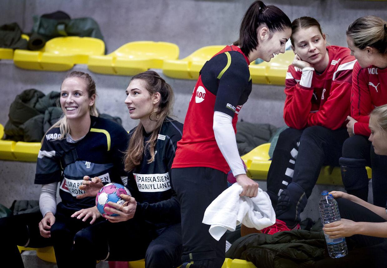Anne Cecilie la Cour, Line Haugsted , Mie Højlund og Althea Reinhardt under træningen i Nantes, Frankrig, mandag den 3 december 2018. (Foto: Liselotte Sabroe/Scanpix 2018)
