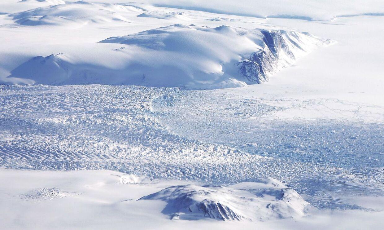 NASA overvåger Indlandsisen i Grønland som en del af Operation IceBridge. Her ses isen i Baffin Bugten i det nordvestlige Grønland.