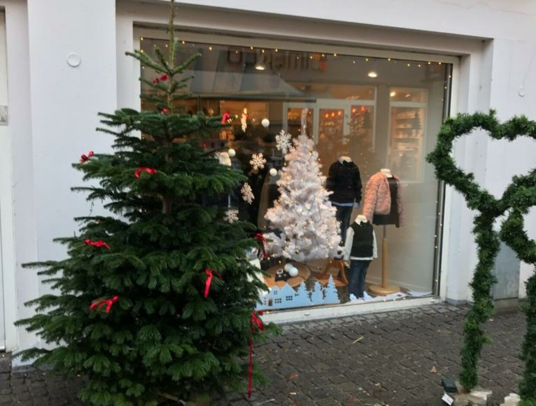 Butikken NIF-NIF i Nykøbing Mors får ingen seddelder på deres ønsketræ i år efter mistanke om snyd med ønskesedlerne.