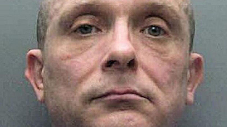 Russell Bishop er blevet dømt for mord på to ni-årige piger - 32 år efter at drabene fandt sted.