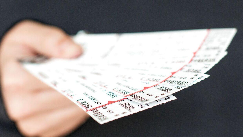 Der er ofte rift om billetterne, når populære kunstnere giver koncerter. Billetbørsen Viagogo er flere gange blevet beskyldt for at sælge for dyre eller endda falske billetter. Nu svarer virksomheden på kritikken.
