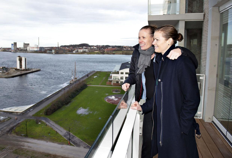 B.O - BT. : Christinna Pedersen og Kamilla Rytter Juhl, vinder af All England 2018 i damedouble, i deres nye lejlighed i Aalborg.