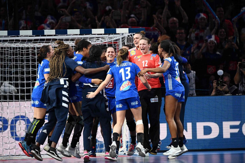 For første gang nogensinde kan Frankrig kalde sig europamester i kvindehåndbold. Franck Fife/Ritzau Scanpix