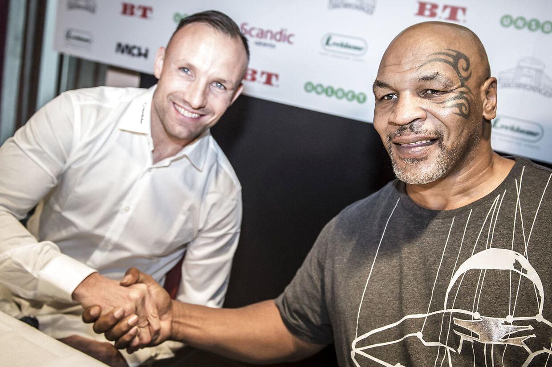 Mikkel Kessler og Mike Tyson før deres fælles show i Herning.