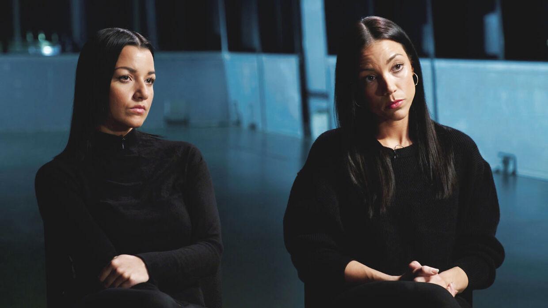 Britta Nielsens døtre, Nadia Samina (tv.) og Karina Jamilla Hayat stod den 14. novembert i år frem på Kanal 5 og bedyrede deres uskyld.