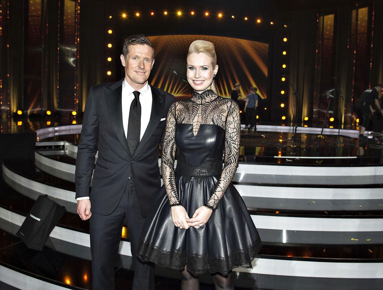 Peter Møller, der her ses sammen med Tina Müller, var indtil august i år vært i DR Sportens »Fodboldmagasinet«.