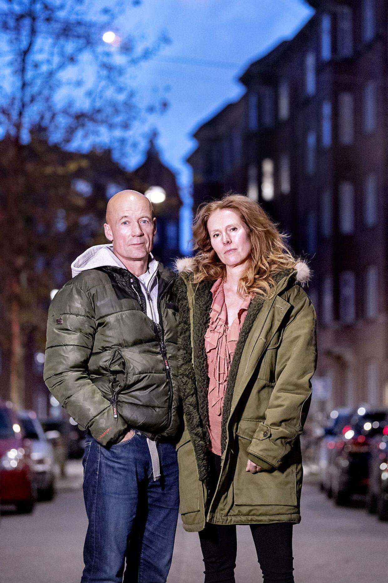 Jens Erik og Christa Mathiesen må ikke længere se plejebørnene Emilie og Rasmus, der har boet hos familien stort set hele deres liv.