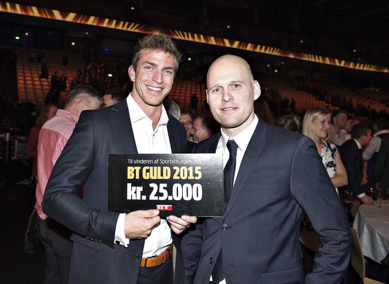 Rene Holten Poulsen vandt B.T. Guld i 2015. Her er han sammen med B.T.s tidligere sportschef Benjamin Munk Lund.