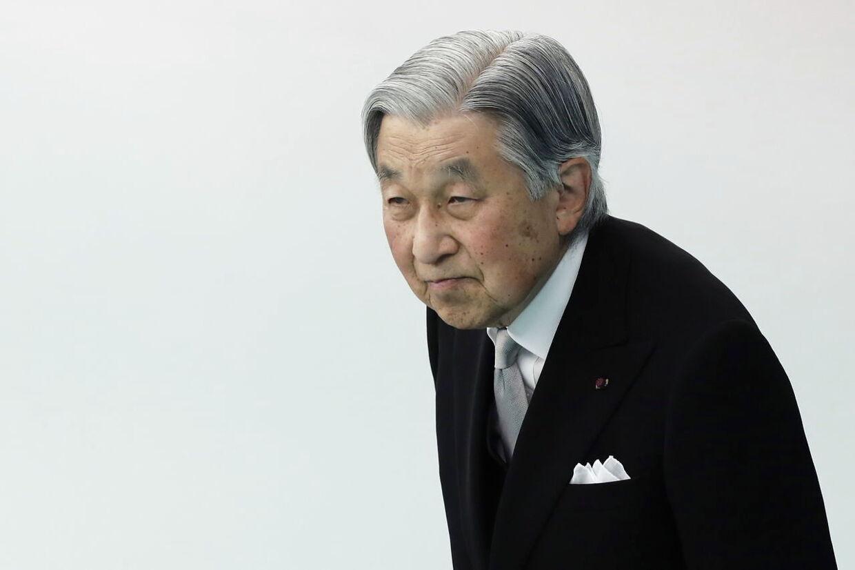 Kejser Akihito, der abdicerer i april 2018. Og dermed bryder en 200 år lang tradition i Japan. Billedet her er fra Tokyo, 15. august 2018.