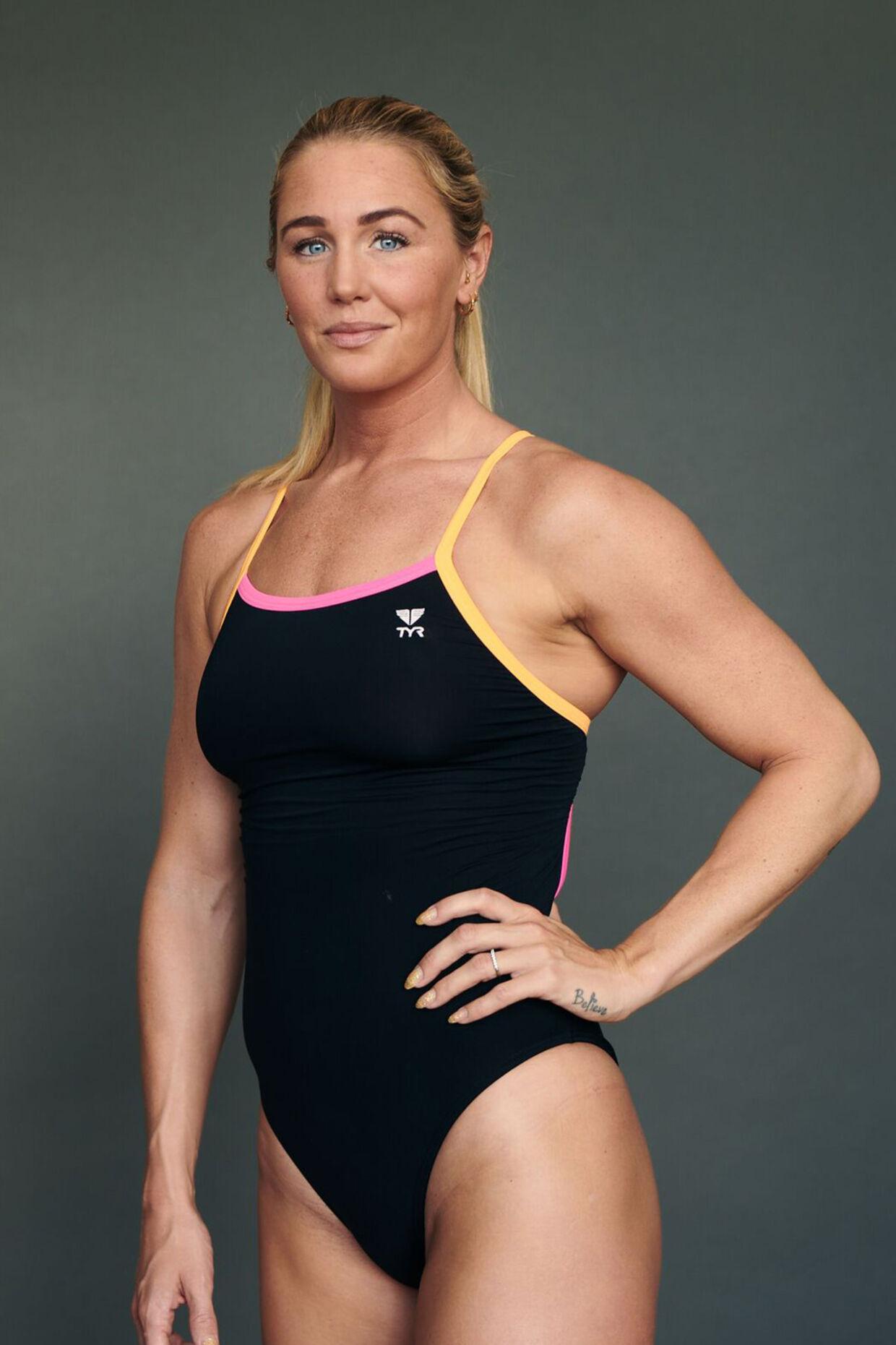 Jeanette Ottesen er 30 år.. Hun er verdensmester, OL-medaljetager og europamester. Hun har 15 års erfaring i verdenseliten