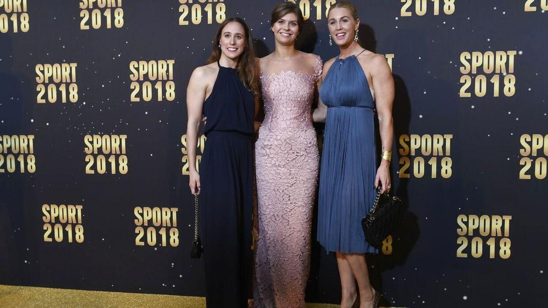 Rikke Møller Pedersen (tv.) ved årets Sportsgalla med Lotte Friis (i midten) og Jeanette Ottesen (th.)