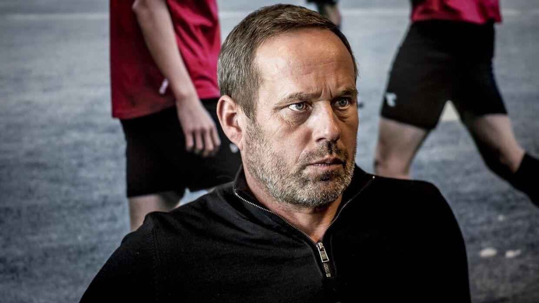 Carsten V. Jensen skal på udkig efter en ny cheftræner til FC Nordsjælland.