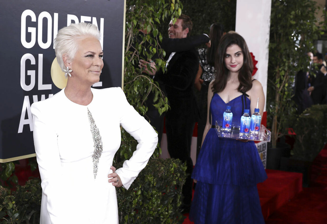 IMAGE DISTRIBUTED FOR FIJI WATER - Jamie Lee Curtis at the 76th annual Golden GlobeÆ Awards with FIJI Water on Sunday, Jan. 6, 2019 in Beverly Hills, Calif. (Photo by Matt Sayles/Invision for FIJI Water/AP Images)