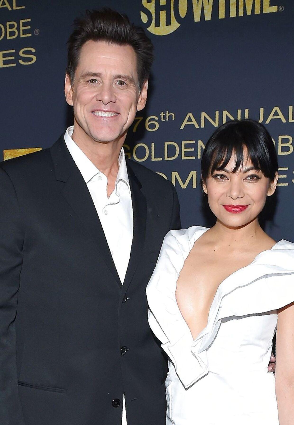 Jim Carrey har nu bekræftet, at den 34-årige skuespiller Ginger Gonzaga, som han mødte op sammen med ved årets Golden Globe-show, er hans kæreste.