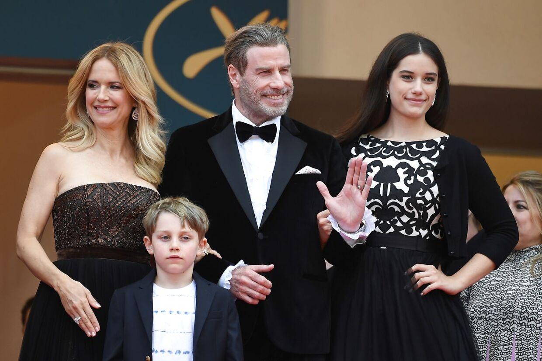 John Travolta, hans kone Kelly Preston og deres to børn Ella Bleu Travolta og Benjamin Travolta.